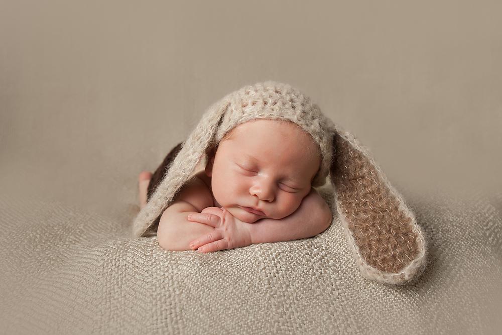 Camberley Baby Photographer | Best of Isaac's Newborn Photos